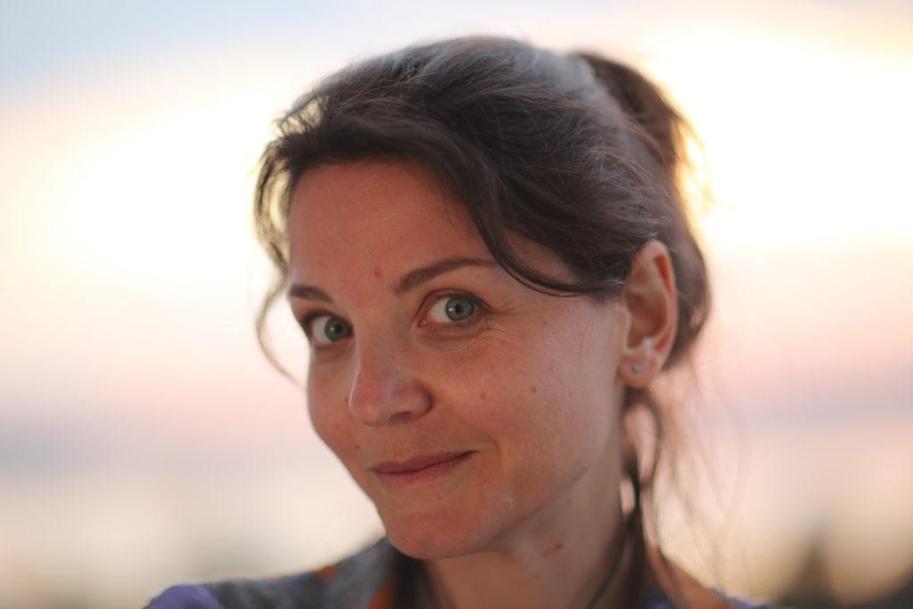 ujecie-anny-lewy-profil